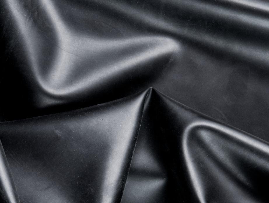 Latexový materiál použitý u plaveckých čepic