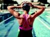 7 důvodů, proč vás plavání zbaví bolesti zad