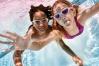 Vybavte děti na povinnou výuku plavání!